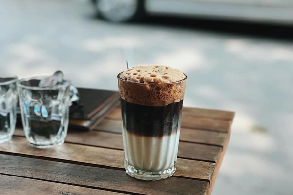 Thưởng thức ngay ly cà phê 3 tầng thơm ngon