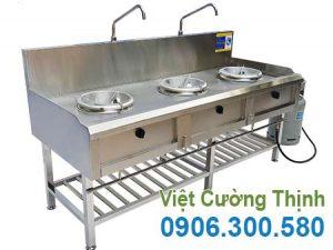 Bếp á công nghiệp inox 3 họng kiềng tô giá tốt tại xưởng sản xuất Inox Việt Cường Thịnh.