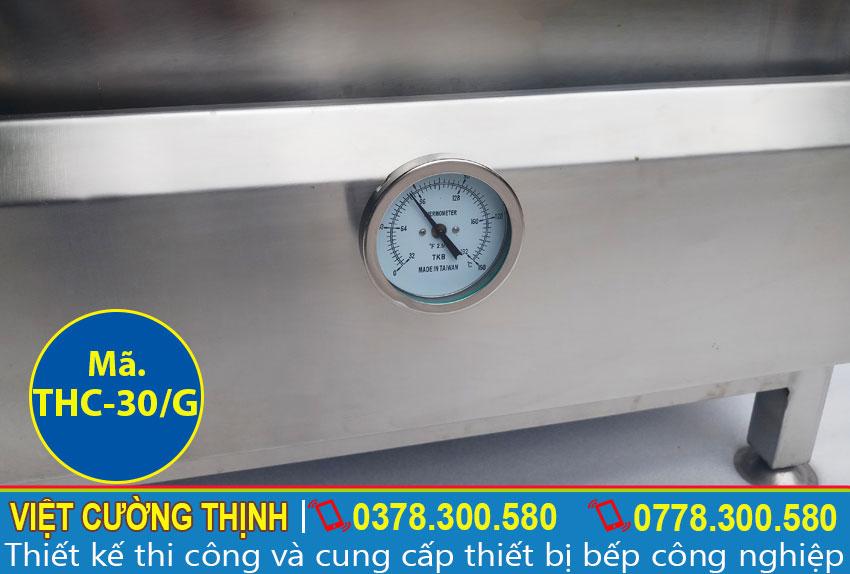 Góc dưới tủ nấu cơm công nghiệp 30kg sử dụng gas