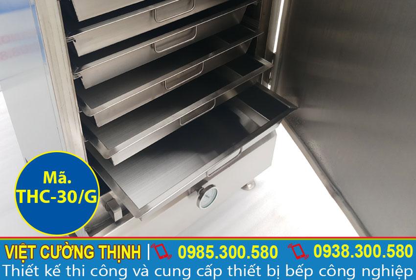 Góc trong tủ nấu cơm công nghiệp 30kg sử dụng gas
