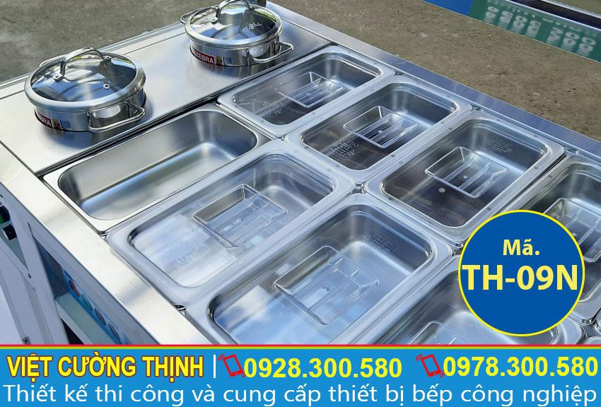 Cận cảnh tủ hâm nóng thức ăn 20 khay và 2 nồi, tủ giữ nóng thức ăn inox sử dụng điện chất lượng.